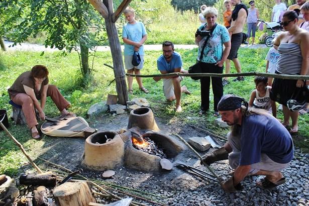 Popis: Na Sluňákově se v neděli uskuteční Den malých archeologů.