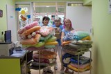 Pobyt v inkubátorech zpříjemní nové pelíšky. Darovali je motorkáři