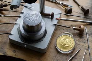Vypravte se po stopách českého mincovnictví. Zjistíte, jak se platilo kdysi a čím se bude platit v budoucnu
