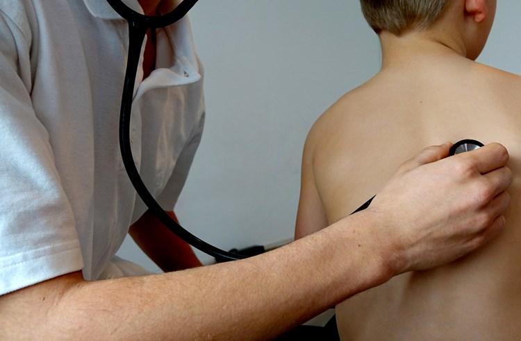 Nachlazení děti trápí minimálně třikrát ročně
