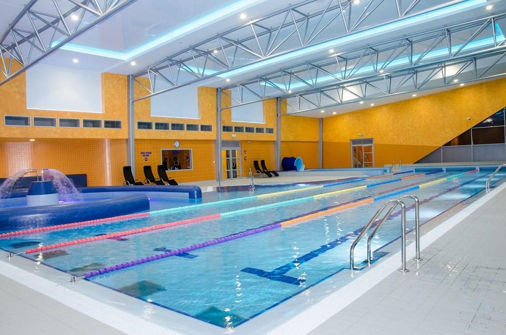 Popis: Krytý bazén v Brušperku.