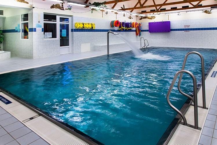 FRY Relax Centrum nabízí odpočinek v bazénu, vířivce či sauně