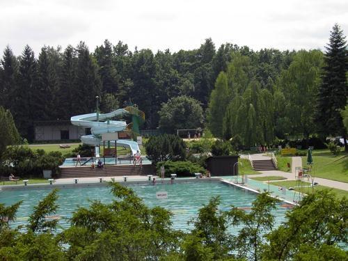 Letní koupaliště Pod Javorovým v Třinci.