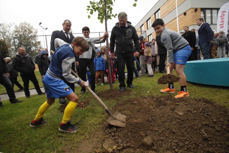 V Okrouhlici otevřeli novou školu a zanechali odkaz budoucím generacím