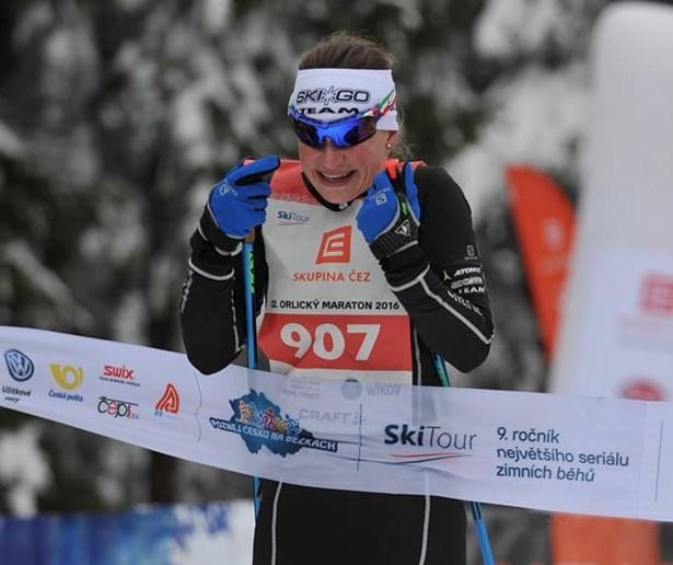 Popis: Běžkařka Kamila Knopová, která se zúčastnila prvního ročníku Mini Jizerské.