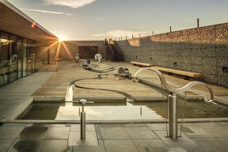 Vodní dům představuje vodu jako životní prostředí rostlin a živočichů i jako nezbytnou podmínku lidského života