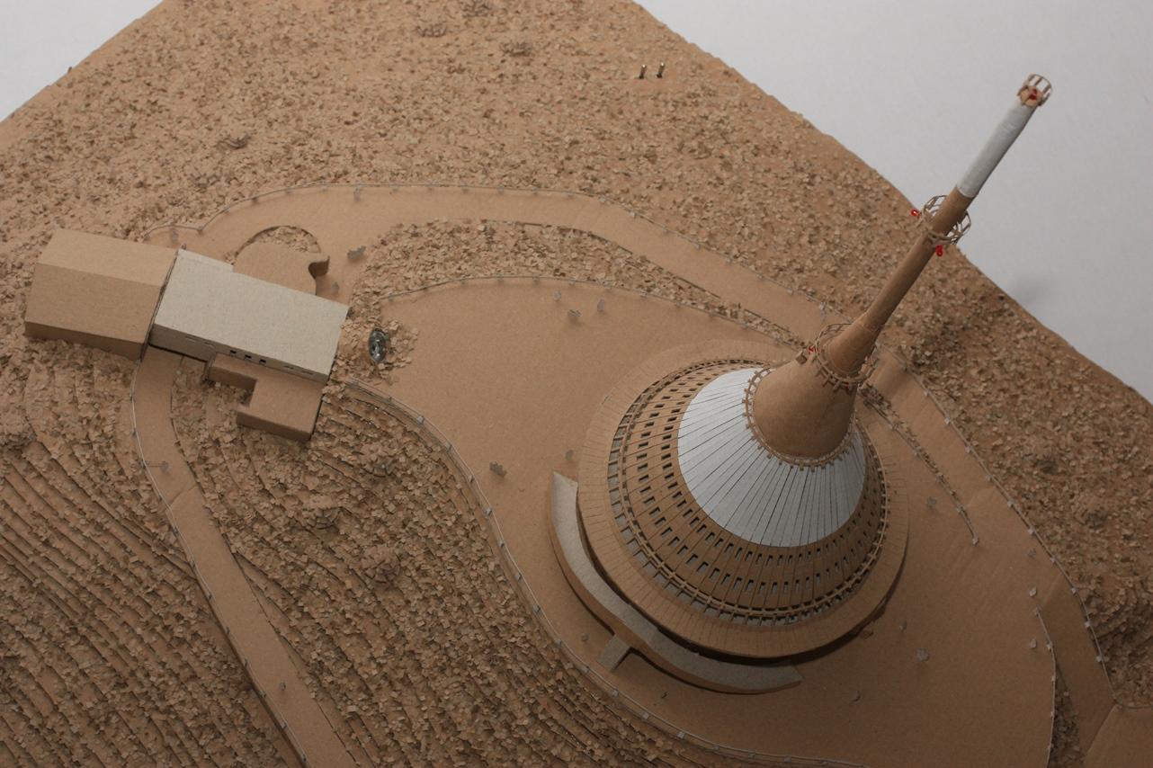Studenti z Jihlavy staví přehradu z vlnité lepenky