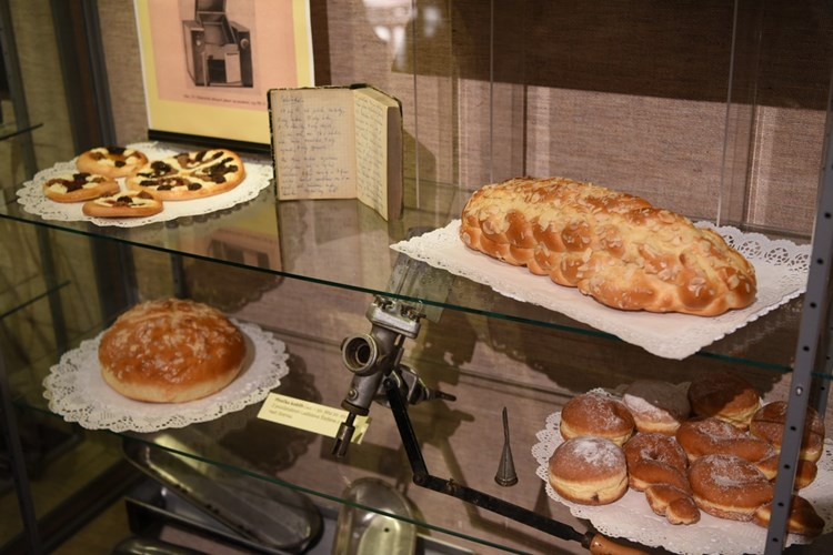 Výstava představuje historickou cestu cukrářství