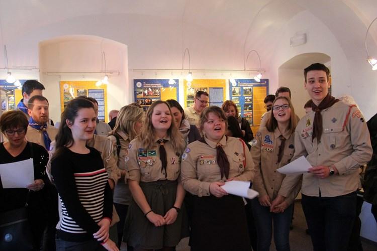 Výstava seznamuje s historií skautingu v Rokycanech