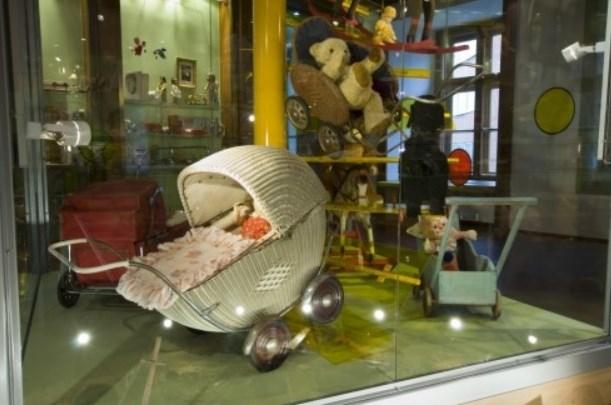 Měnínská brána – Muzeum hraček