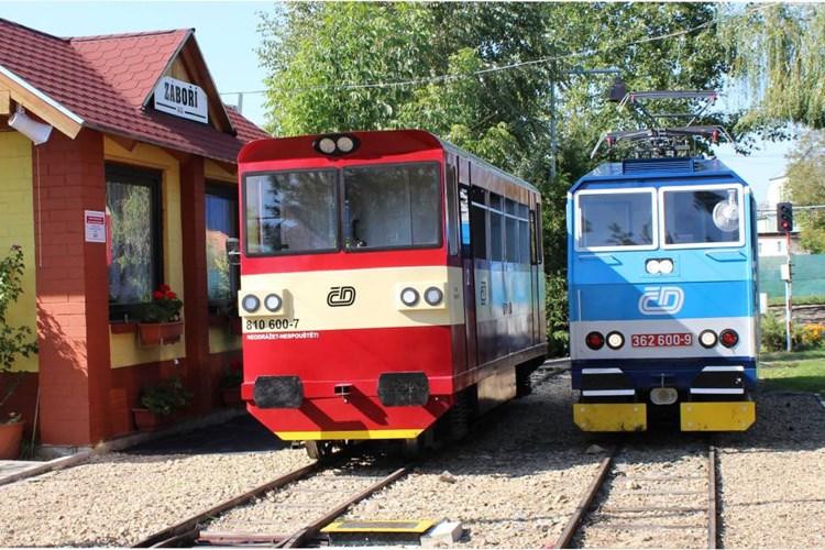 Zahradní železnice ve Vracově nadchne především milovníky železnice