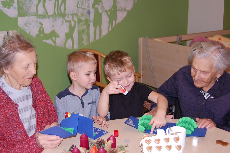V hospici CITADELA se děti setkávají se seniory