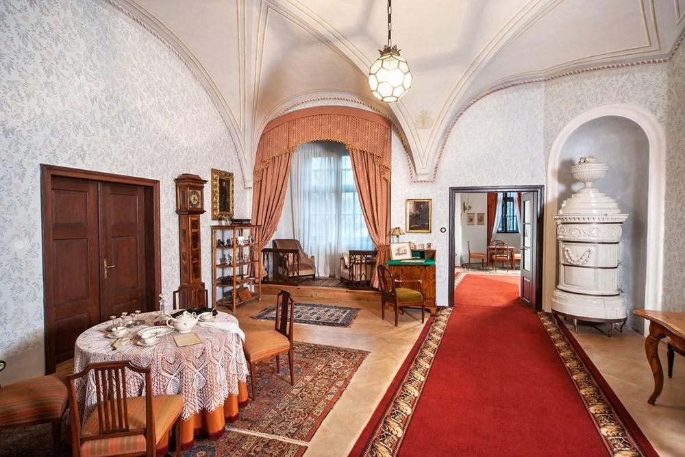 Popis: Interiéry hradu a zámku Jindřichův Hradec.