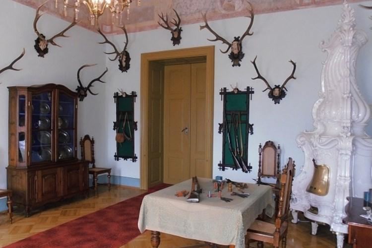 Hrad Kámen nabízí tři expozice. Ukazují, jak se žilo na hradě v minulosti