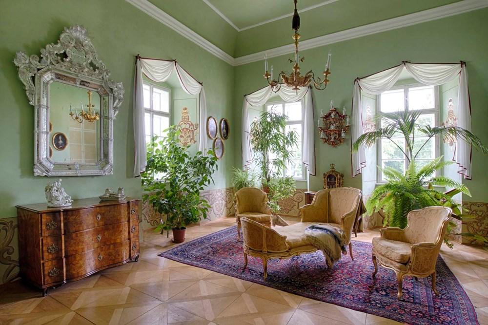 Popis: Ložnice zámku Manětín.