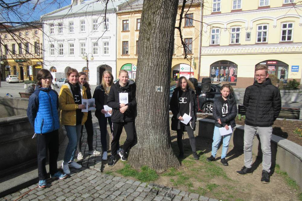 Deváťáci ze základní školy Tyršova 913 se stali historiky i spisovateli
