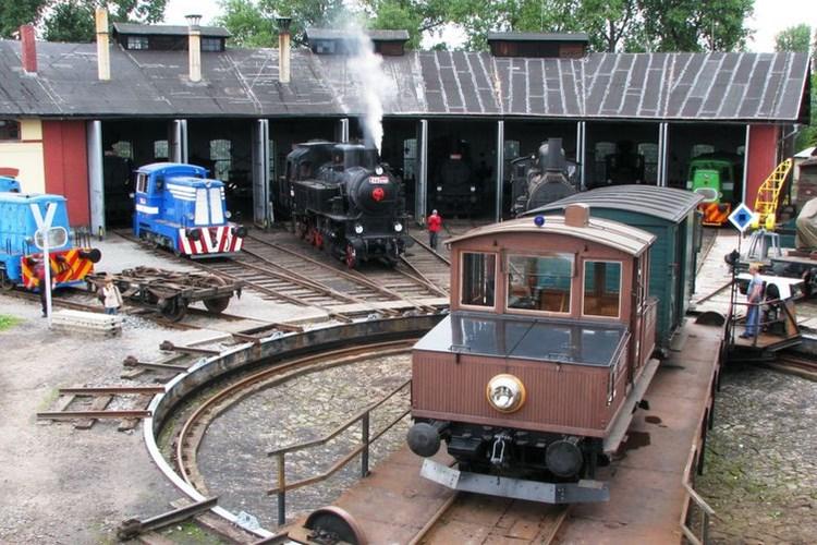 Výtopna Jaroměř dává jedinečnou možnost vrátit se do doby, kdy železnici vládla pára