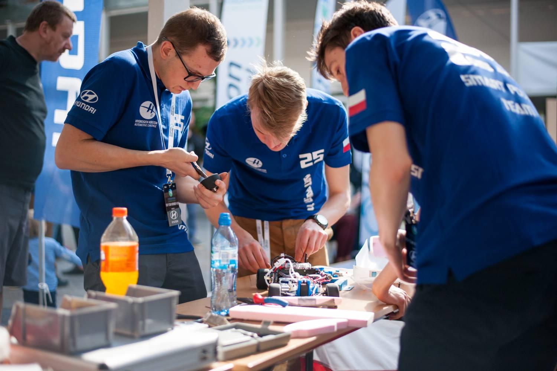 Studenti budou v Trojhalí závodit s autíčky na vodíkový pohon